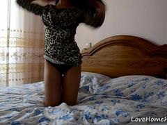 Petite girl reveals that her body is breathtaking