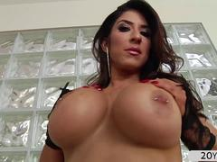 Busty MILF Raven Hart gets hard anal penetration and squirts girl cum