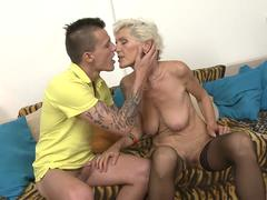 Young guy fucks a horny granny