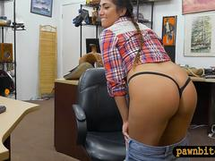 Amateur babe anal pounded by pawn dude at the pawnshop