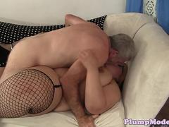 Spex bbw tittyfucked by old mans cock