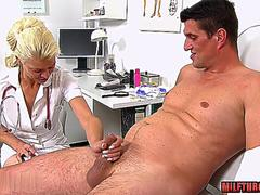 Hot mature handjob with cumshot