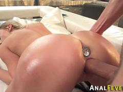 Buttplugged babe fucked