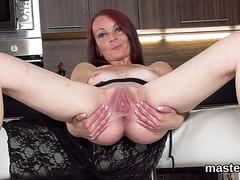 Randy czech chick stretches her slim fuckbox to the unusual