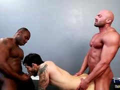 Buff black hunk enjoys kinky threeway