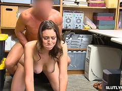 LP Officer gives Bellas pussy a hard penetration