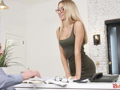 18 Videoz - Katrin Tequila - She has a thing for her boss