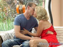 Blonde old lady creampied