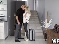 VIP4K. Dazzling chick and her old lover culminate day with great sex